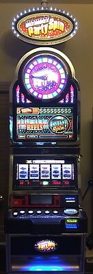 ULTIMATE PARTY SPIN Slot Machine