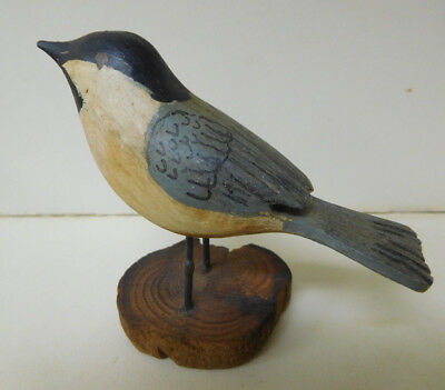 Hand Carved BIRD WOOD CARVING / Painted - Tiny Blue Vintage