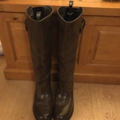 Dublin Leather Waterproof Ladies boots Size 6