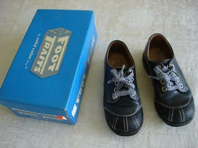 Vtg 1980 Foot Traits Navy Blue Leather Shoes Size 9.5C  with Box VERY NICE