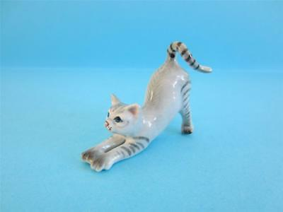 New Grey Tabby Cat Stretching Figurine, Very Nice *mint*