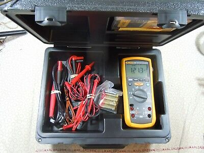 Fluke 1587 Insulation Multimeter Kit +  Fluke Case + More - 57699-480520.