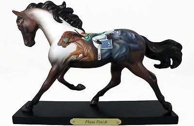 Trail of Painted Ponies PHOTO FINISH Figurine - 1E/8355