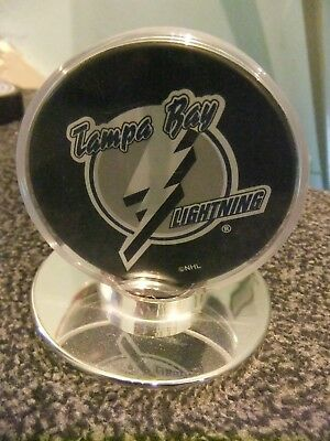 Offical Licensed  Nhl Puck Tampa Bay Lightning In Display Case
