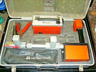 Metrotech 810 Cable/Pipe Locator Transmitter Receiver Underground Detector