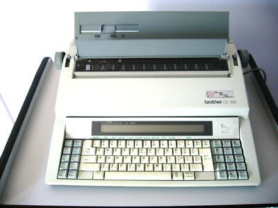 Brother electronic typewriter CE-700 with dust cover in excellent condition