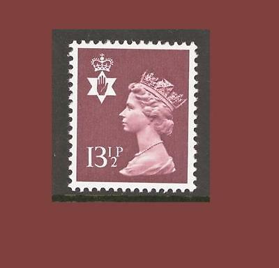 NI32 13½p Brown Northern Ireland Regional Unmounted Mint