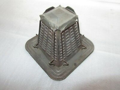 Vintage 4 Slice Pyramid Toaster Tin Primitive Camping Cookware Non-Electric