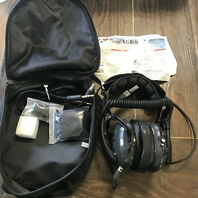 Avcomm m65 Pilot Aviation Headset with FREE Headset Bag