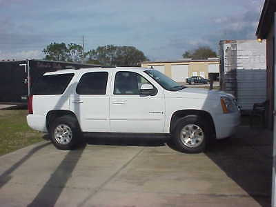 2008 GMC Yukon SLE 2008 Mint White GMC yukon SL loaded SUV low milege very clean