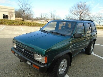 1995 Nissan Pathfinder SE NO RESERVE-4X4-1 SENIOR OWNER-VERY CLEAN-DON'T MISS THIS ONE-YES NO RESERVE!!!!!
