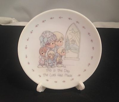 """1989 Precious Moments Coll/samuel Butcher 4"""" Coll Plate/this Is The Day! W/stand"""