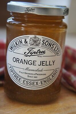 **WILKIN & SONS LTD** Tiptree Orange Jelly No Peel Marmalade 340g Jar