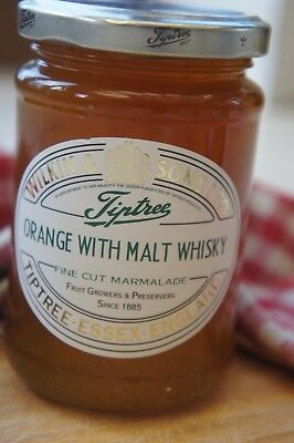 **WILKIN & SONS LTD** Tiptree Orange & Malt Whisky Fine Cut Marmalade 340g Jar