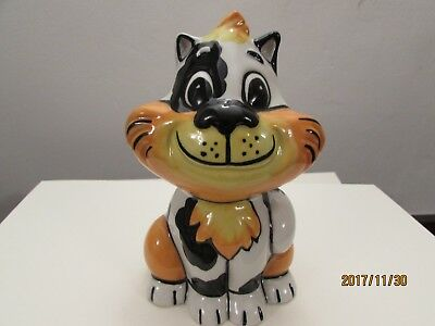 Lorna Bailey model of Bengo the cat in best condition and signed by Lorna