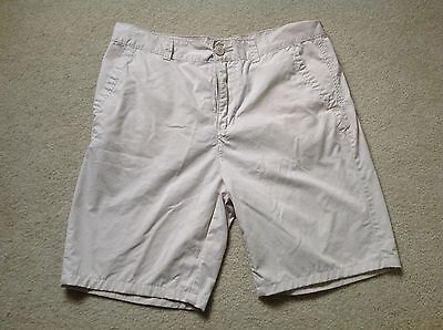 Vintage Pair Of Men's Light Colored Khaki Shorts By American Rag, Size 33,