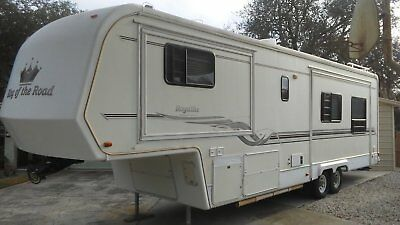 King of The Road Royalite Fifth wheel RV Great condition! One Owner