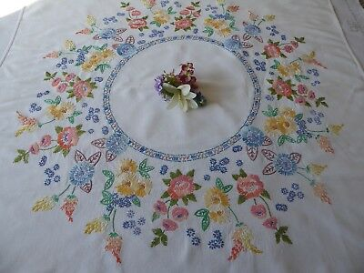 Vintage Hand Embroidered Linen Tablecloth - Beautiful Flower Circle