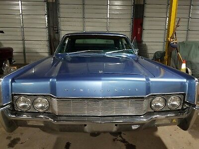 1967 Lincoln Continental 4 door sedan 1967 Lincoln Continental