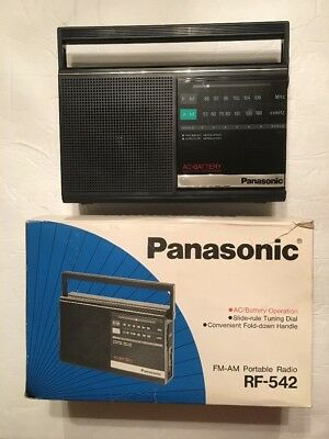VINTAGE PANASONIC RF-542 AM/FM PORTABLE RADIO BATTERY OR A/C OPERATED Tested