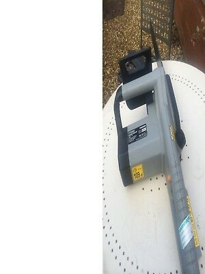 electric chainsaw in good working order and easy to use it