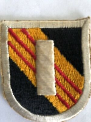 US Army Vietnam 5th Special Forces SF Beret Flash Patch w/ embroidered 1st Lt.