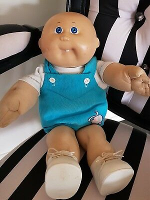 cabbage patch doll  (authentic)