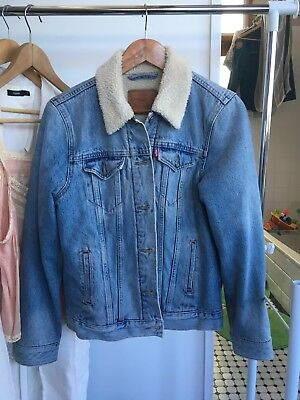Vintage Look Levi's Denim Shearling Lined Jacket Size M