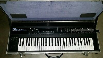 Roland D-50 Keyboard plus flight case