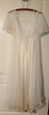 Vintage 2 pc Val Mode L Ivory nightgown peignoir robe set negligee gown Lace