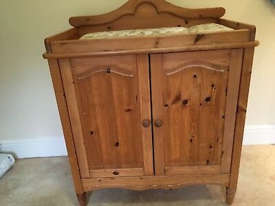 mamas and papas, baby changing unit, cupboard, table
