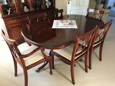 Bradley Mahogany Dining Room Table and 6 Chairs