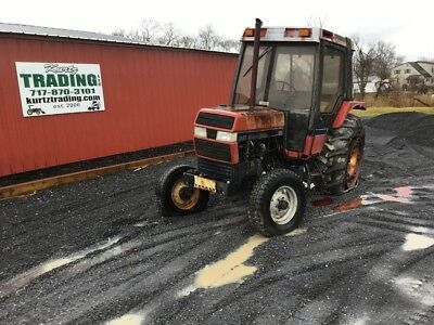 1993 Case IH 695 2wd Utility Tractor w/ Cab. NO RESERVE!!