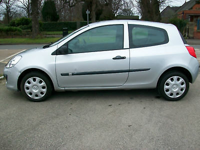 Renault Clio 1.2 16v ( 75bhp ) Extreme 3dr SILVER MET 1 LADY OWNER FROM NEW