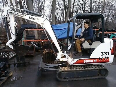 2002 Bobcat 331 mini excavator with hydraulic thumb 3200 hours