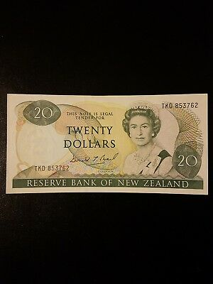 1985 89 new Zealand 20 dollars XF almost uncirculated