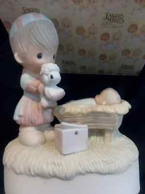 Precious Moments Christmas Is A Time To Share 1979 Enesco E-2806 Mint in the box