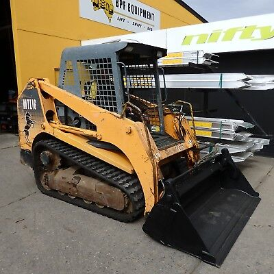 Mustang MLT16 Track Loader with 4in1 bucket