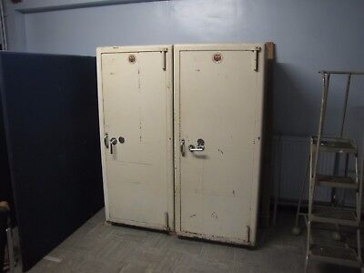 large used office fire safe     Chatwood Milner