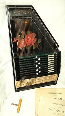 Vintage German Made Zither.  8498 / 7.  32 Strings.  Boxed.  Lovely Item.
