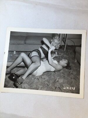 RARE Catfight VINTAGE 50's 4 x 5 HEELS PINUP NYLONS PHOTOGRAPH BY IRVING KLAW