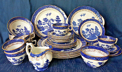 Booths Royal Doulton 'Real Old Willow' 33 Piece Dinner Setting, Blue and White.