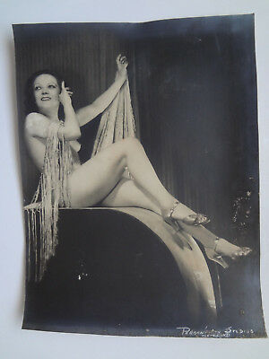 """VINTAGE 1930s B&W 10 x 13"""" Photo Cute Nude Young Seated Leggy Showgirl Dancer"""