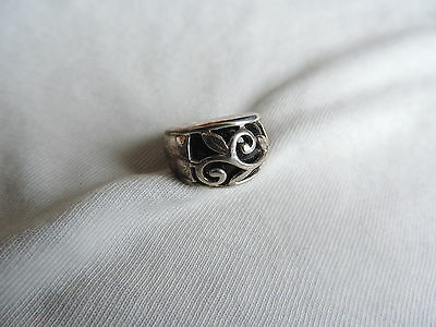 Vintage Jewelry 925 Sterling Silver Ladies Ring sz 5 (pp523)
