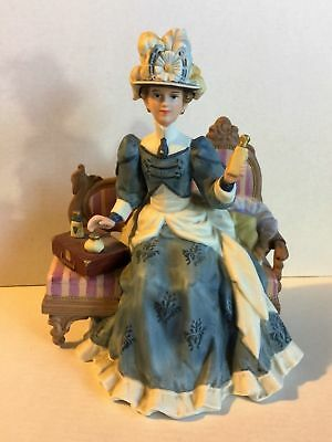 1992 Avon MRS ALBEE President's Club Award Porcelain Doll in Original Box