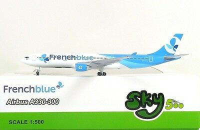 SKY500 French blue Airbus A330-300 1:500 Registration F-HPUJ (0841)