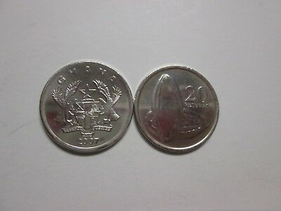 Single coin from GHANA, 20 pesewas, 2007 unc, Km 40 (2007), Cocoa Pod