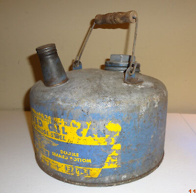 Vintage Eagle Galvanized Oil Can No. 401 Wooden Handle 1 Gallon