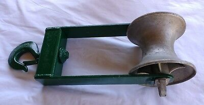 GREENLEE Hook Type Cable Sheave Tugger Puller