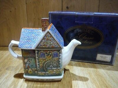 """Sadler Classic Collection """"Old Mill"""" Country Crafts Teapot Boxed Damaged (003)"""